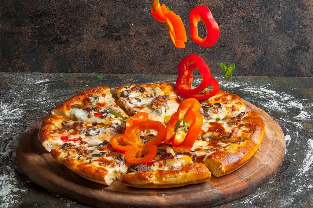 pizza cu blat de casa si branza